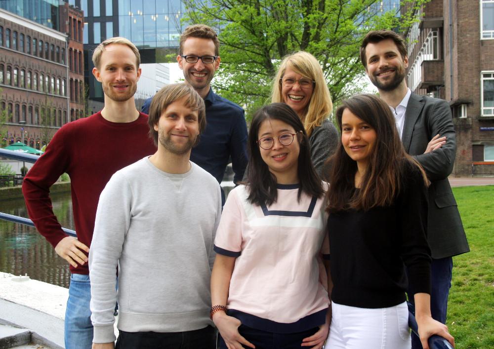 Photo of all EASI Lab members in 2019